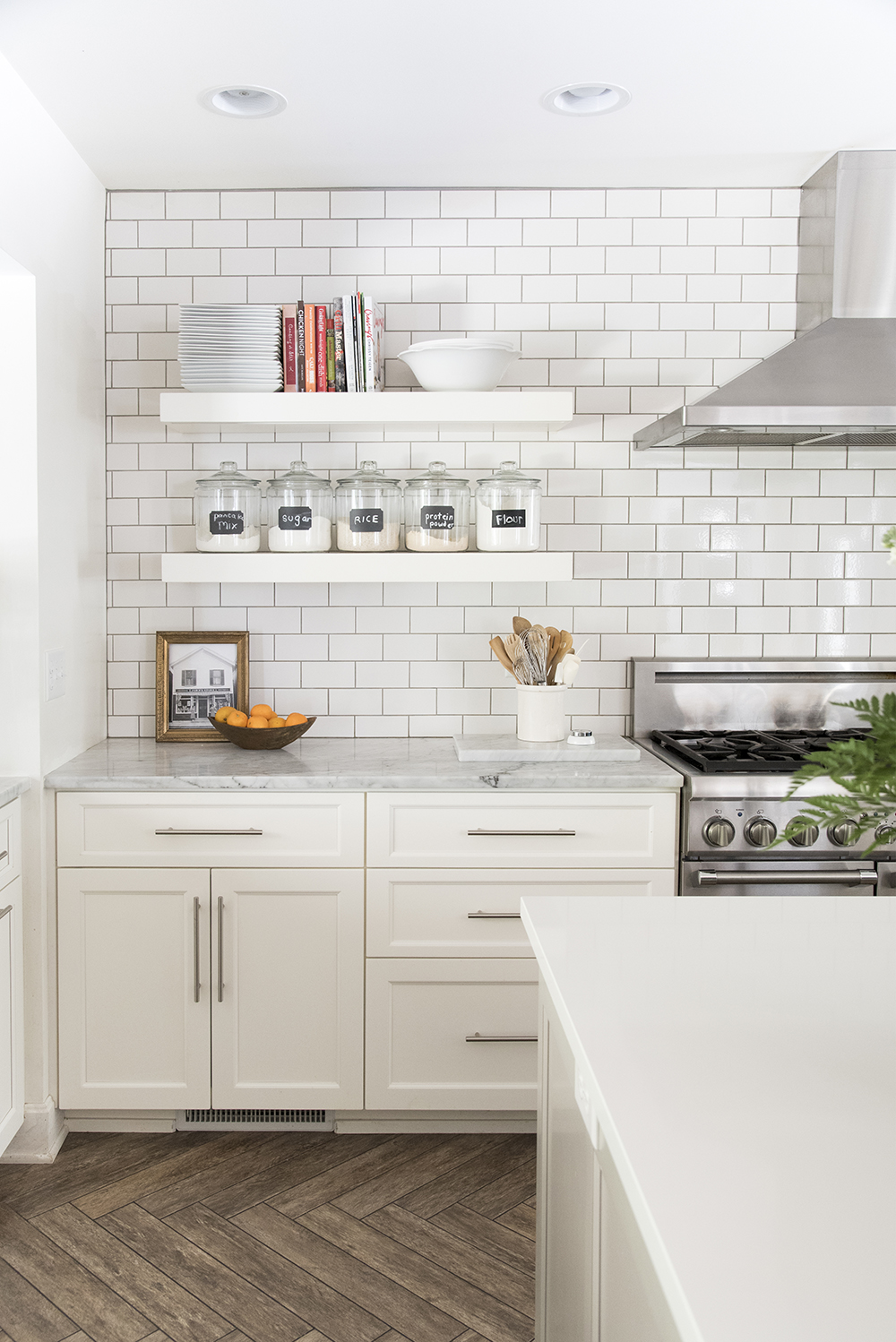 How To Incorporate Floating Shelves In Your Kitchen - Room