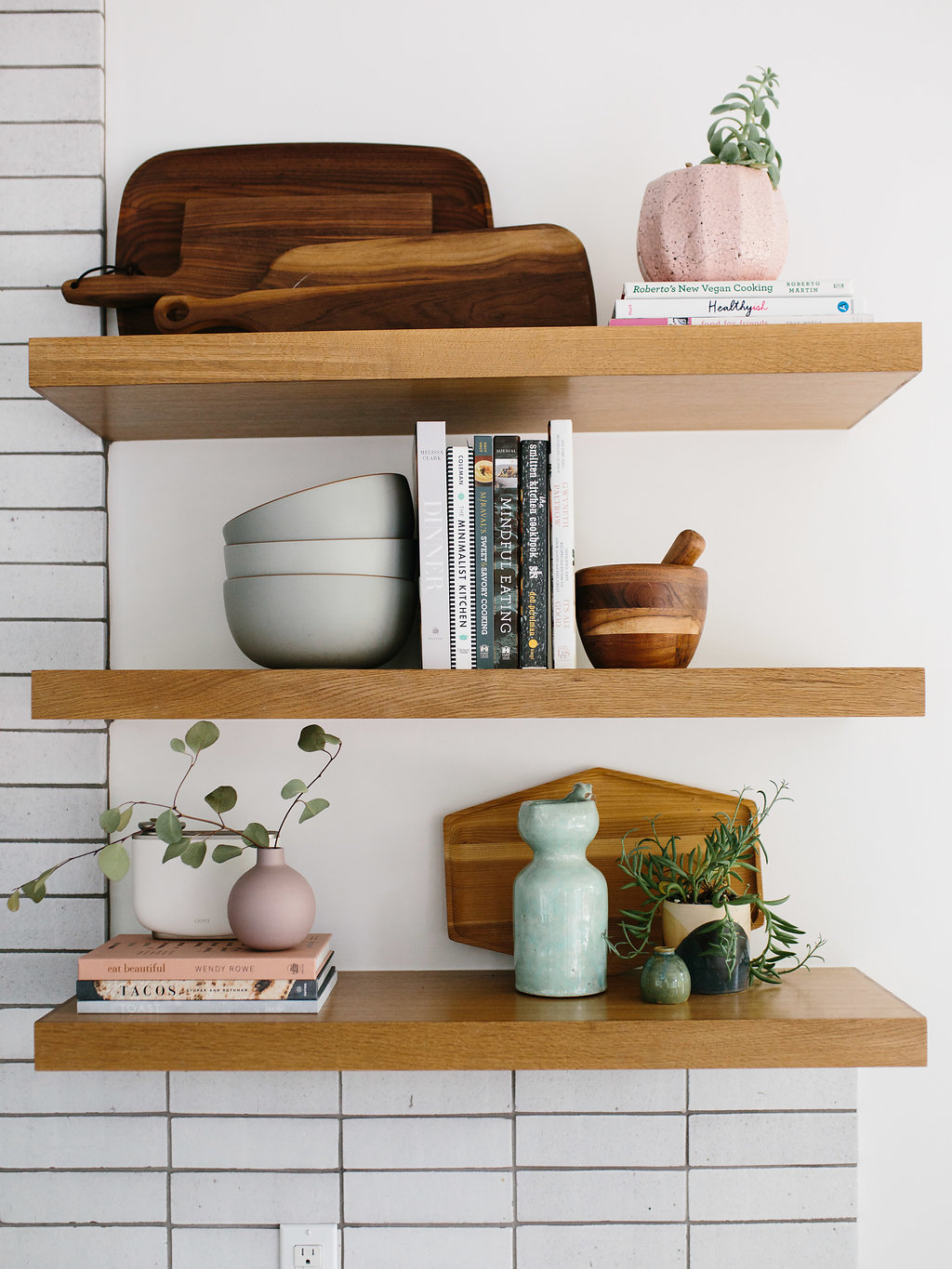 How To Style Kitchen Shelves - The Effortless Chic