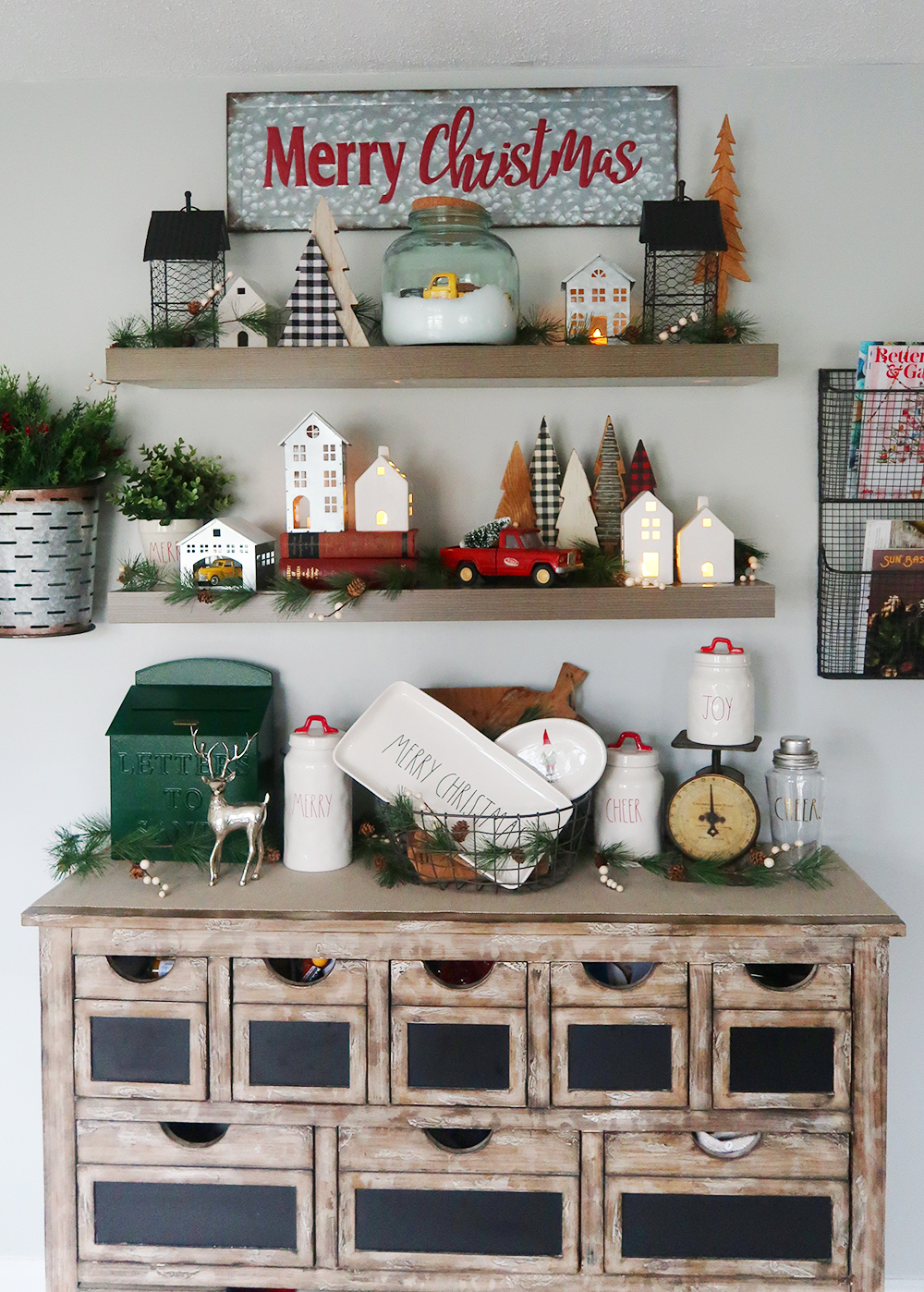 Decorating Floating Shelves For Christmas - Weekend Craft