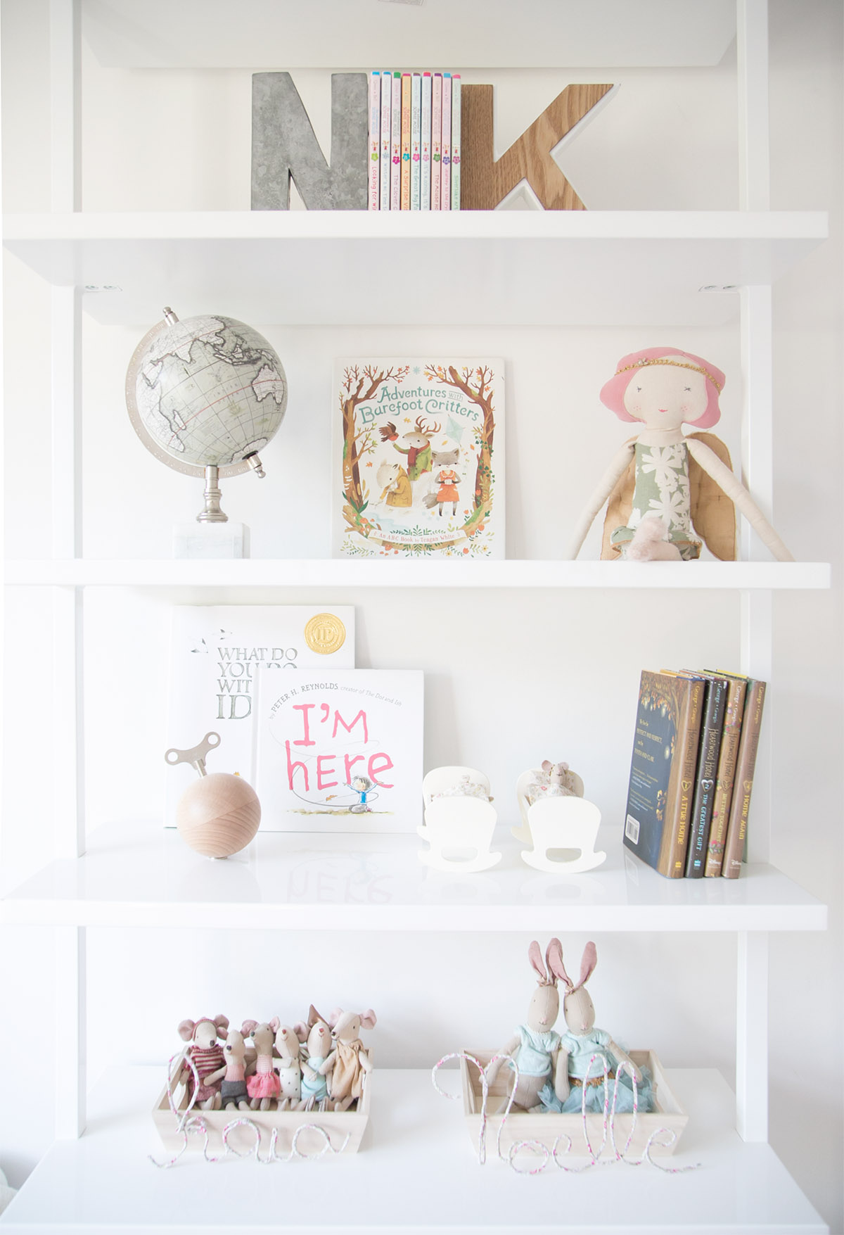How To Style Your Kids' Shelves In 4 Easy Steps! — Winter Daisy