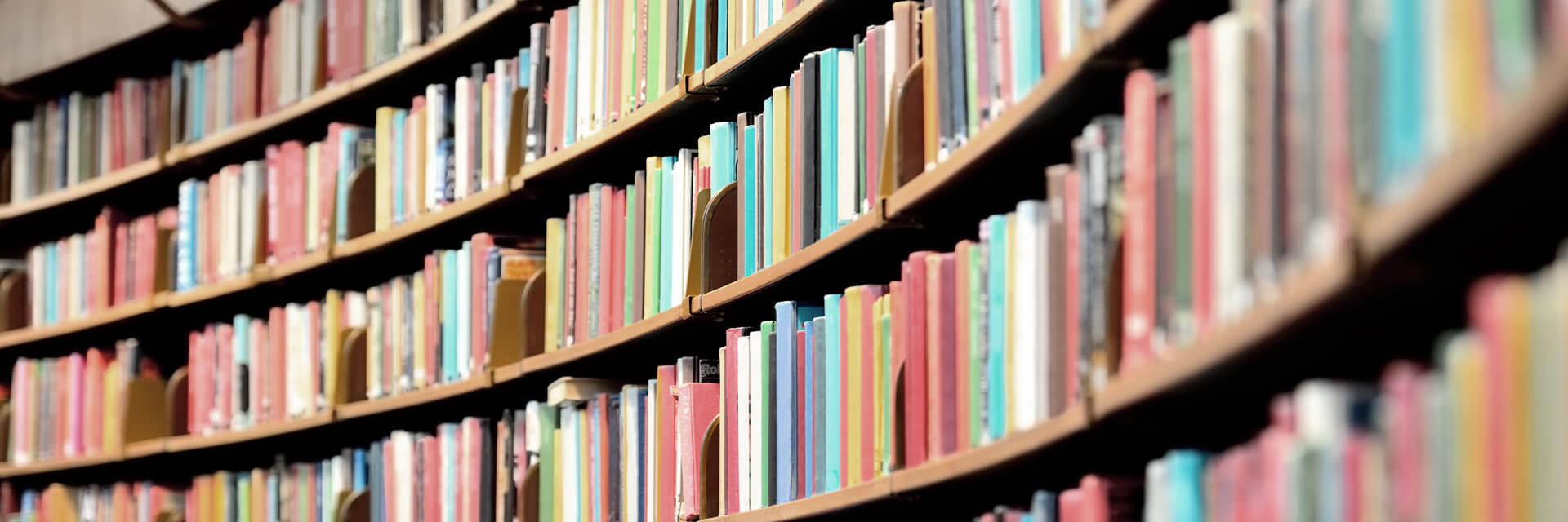 Header-books-on-shelves-in-library - Cumberland Valley Insurance