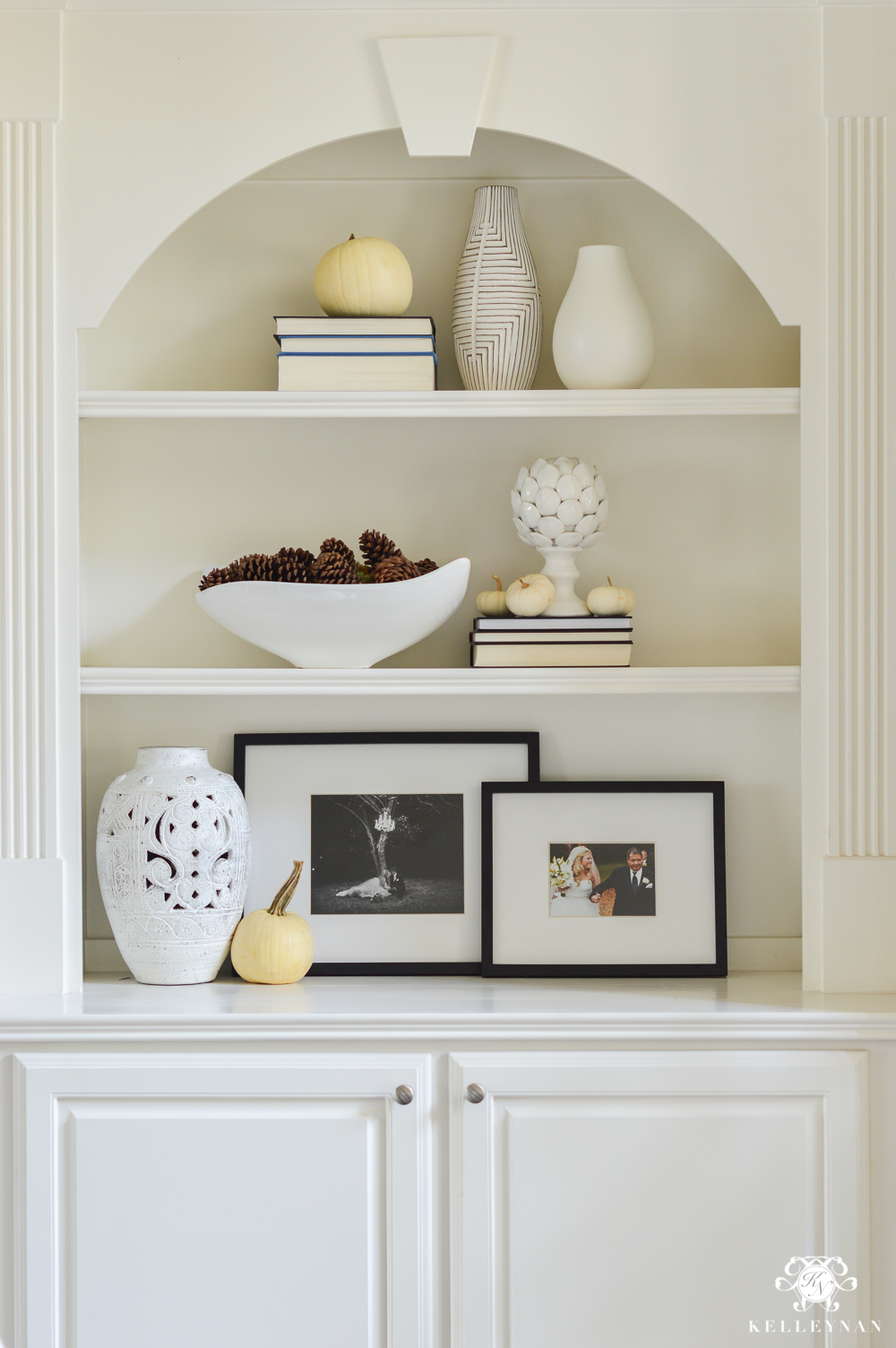 Tips And Ideas For Styling Bookshelves (and How To Keep Them