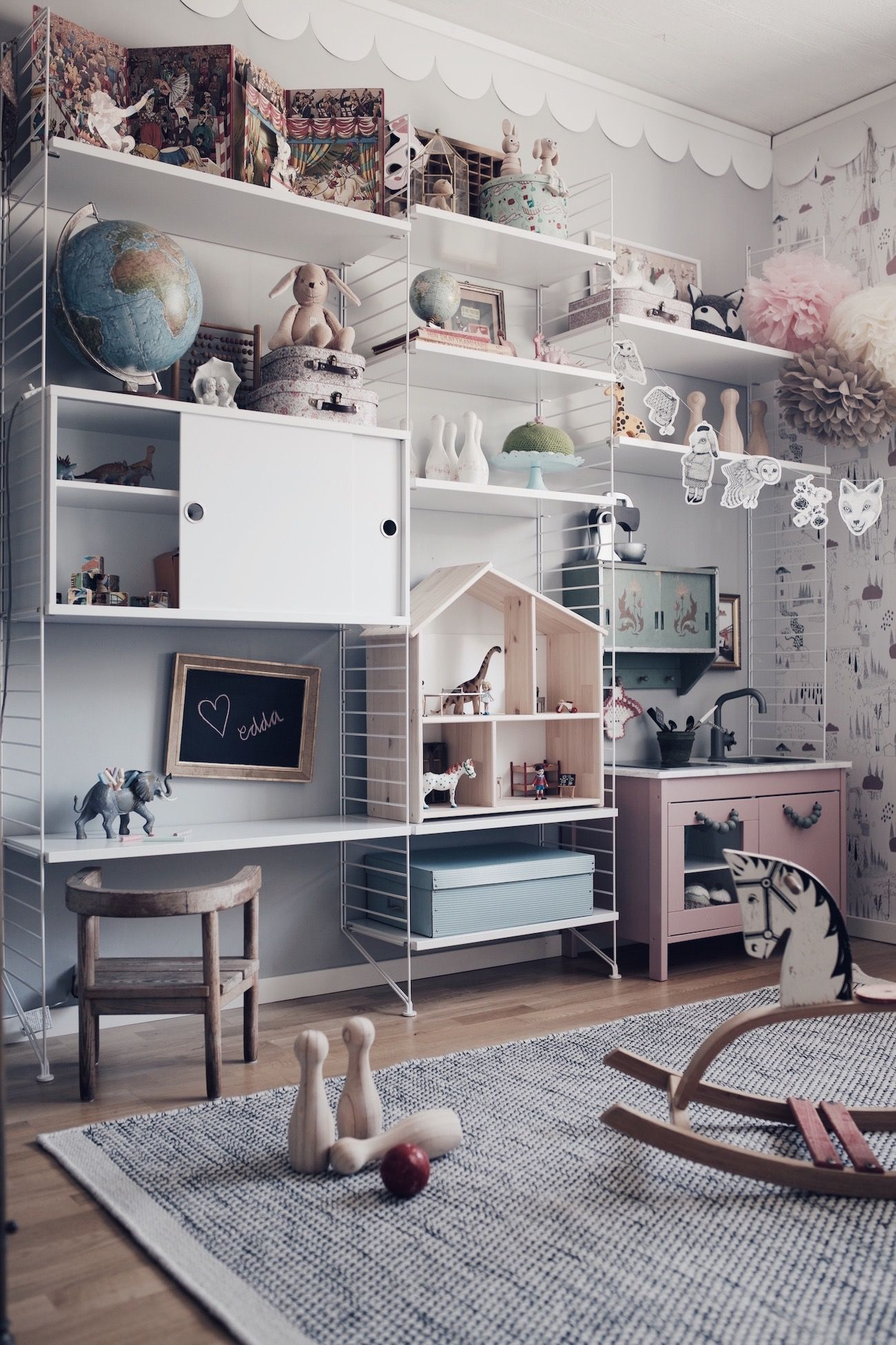 Beautiful Wall Of Wired Shelves In Kids Room For Storage And