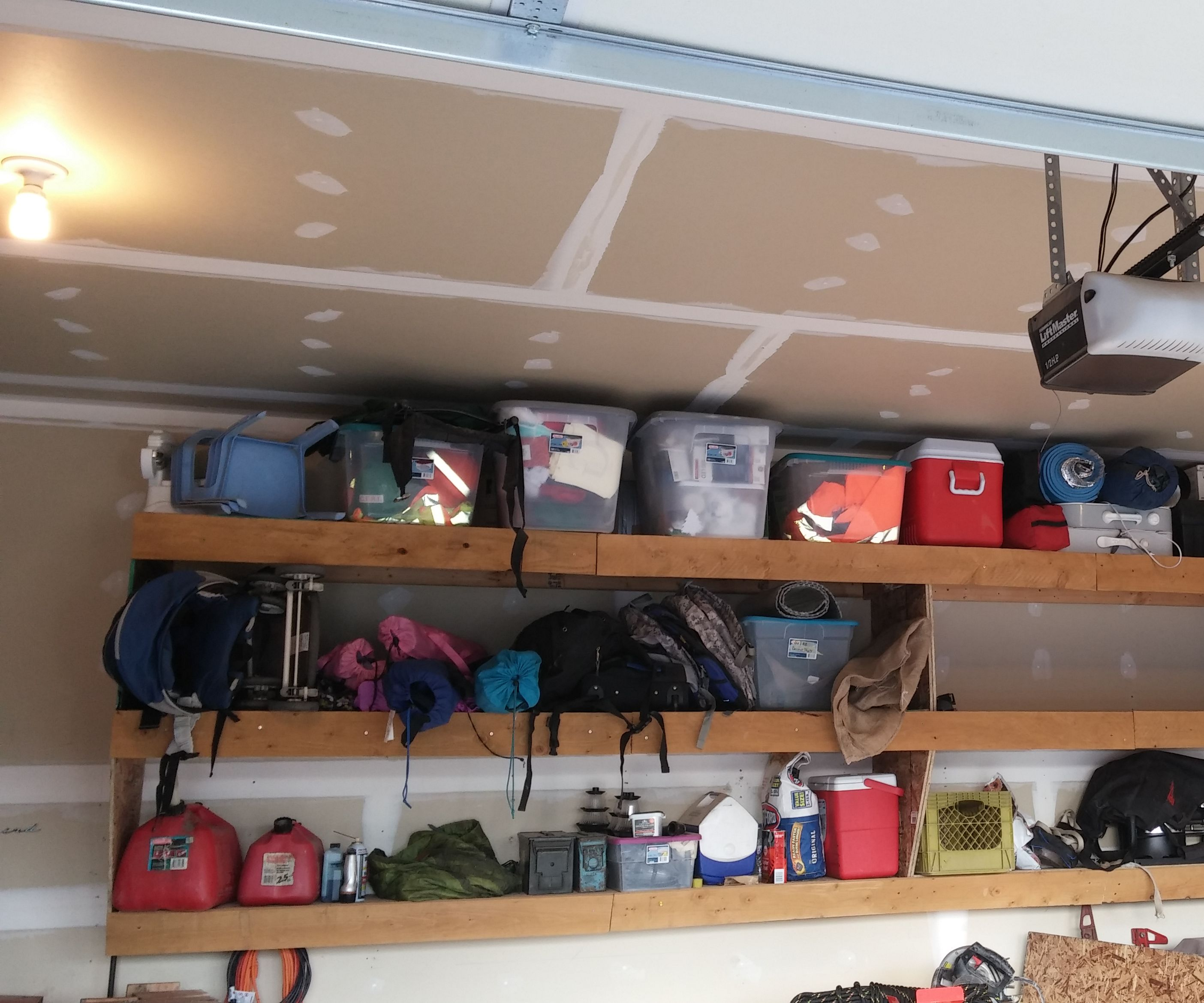 Floating Garage Shelves: 6 Steps (with Pictures)