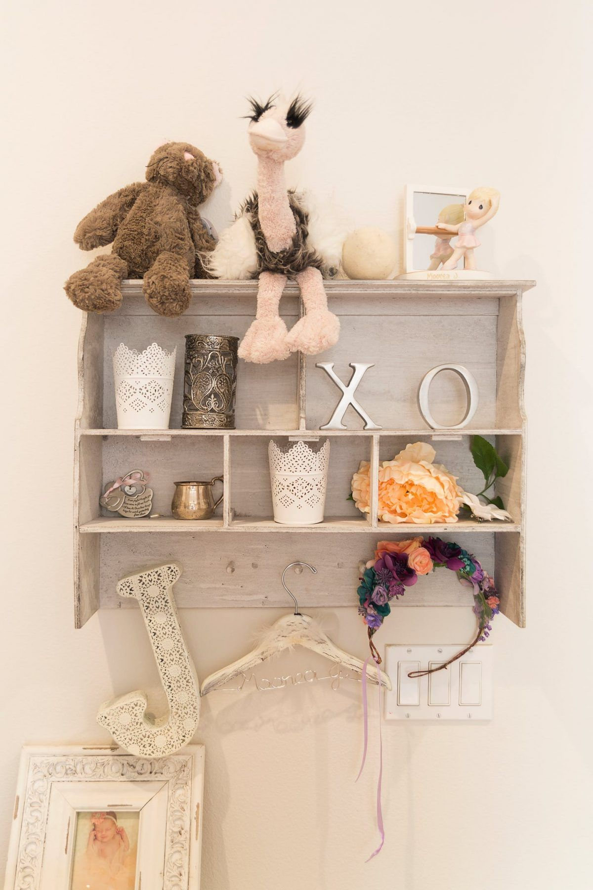 Decorative Items On The Shelves In The Nursery | Inspiration