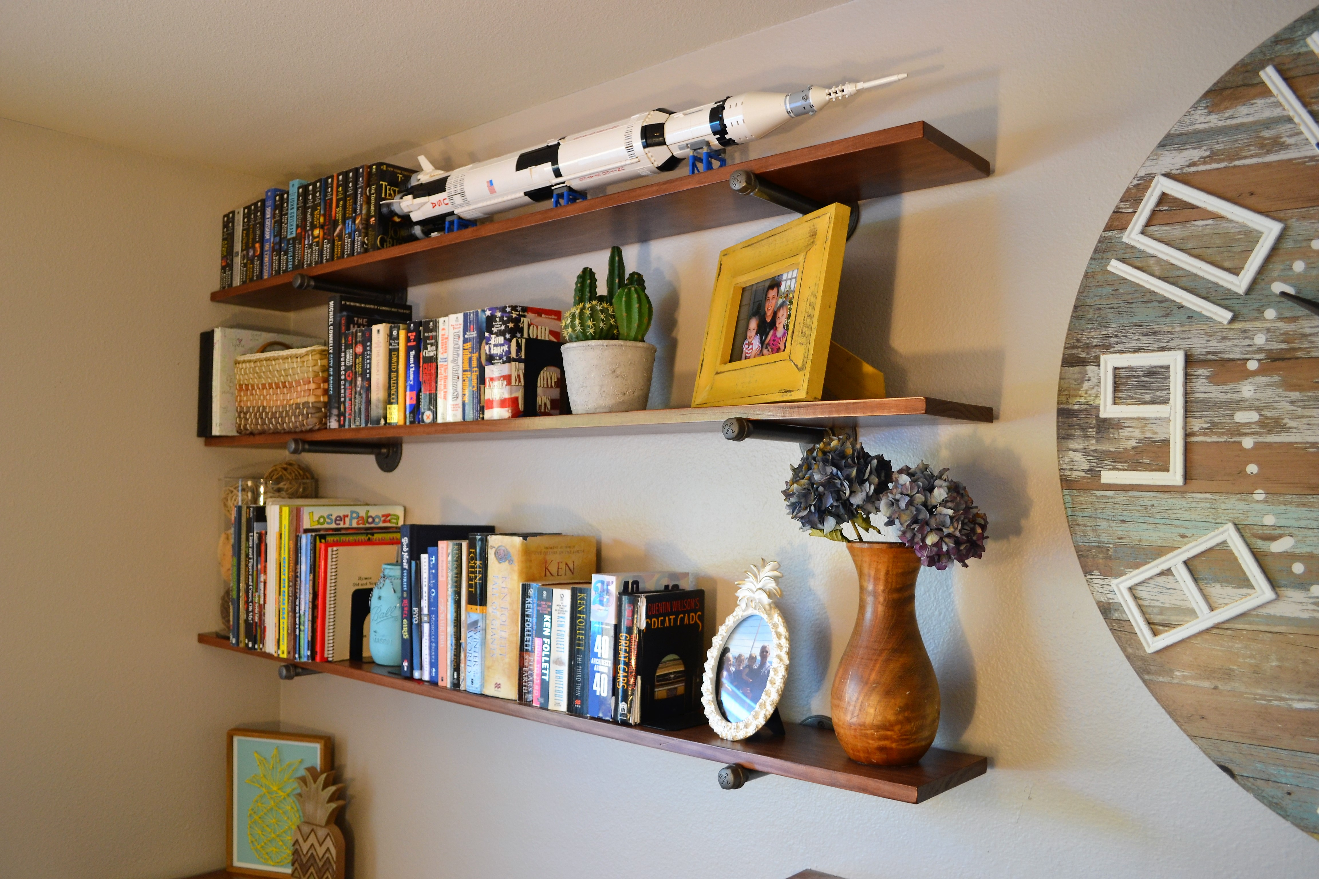 Industrial-style Pipe Wall Shelves: 8 Steps (with Pictures)