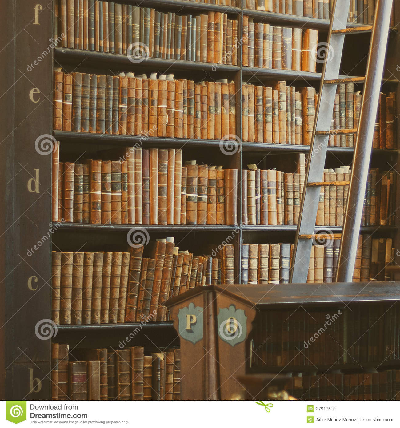 Shelves In The Long Roomin Trinity Stock Photo - Image Of