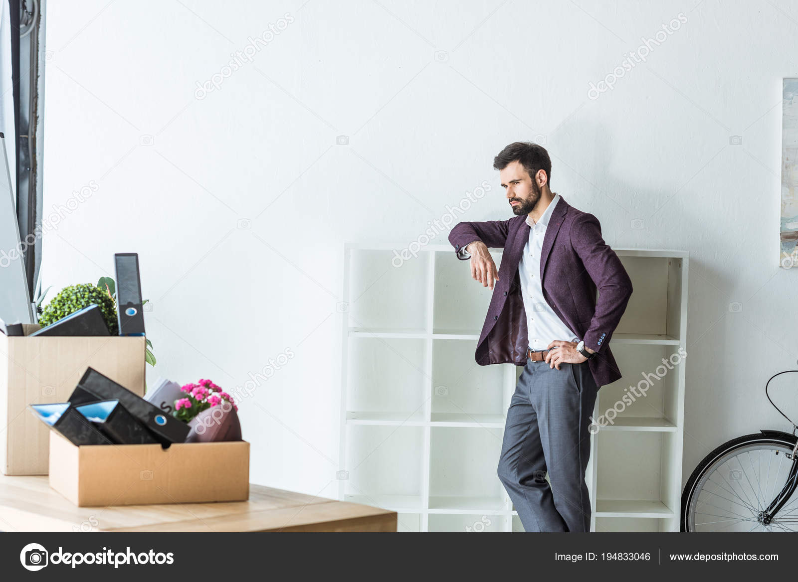 Thoughtful Fired Businessman Leaning Shelves Office — Stock