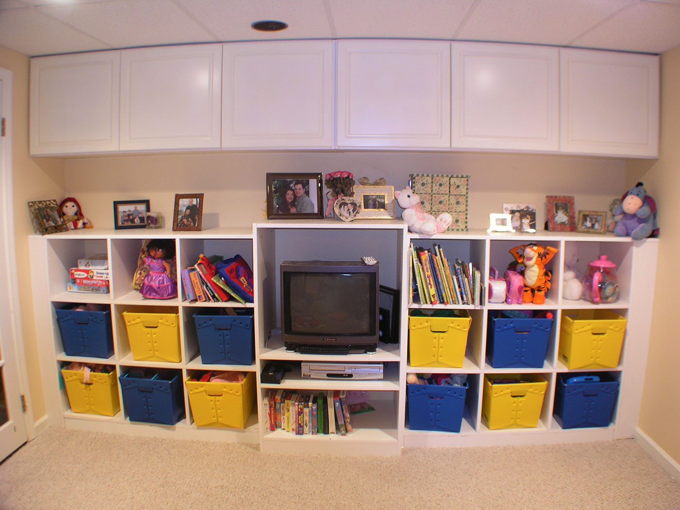 Built-in Shelves And Cabinets - Craftworks Custom Cabinetry