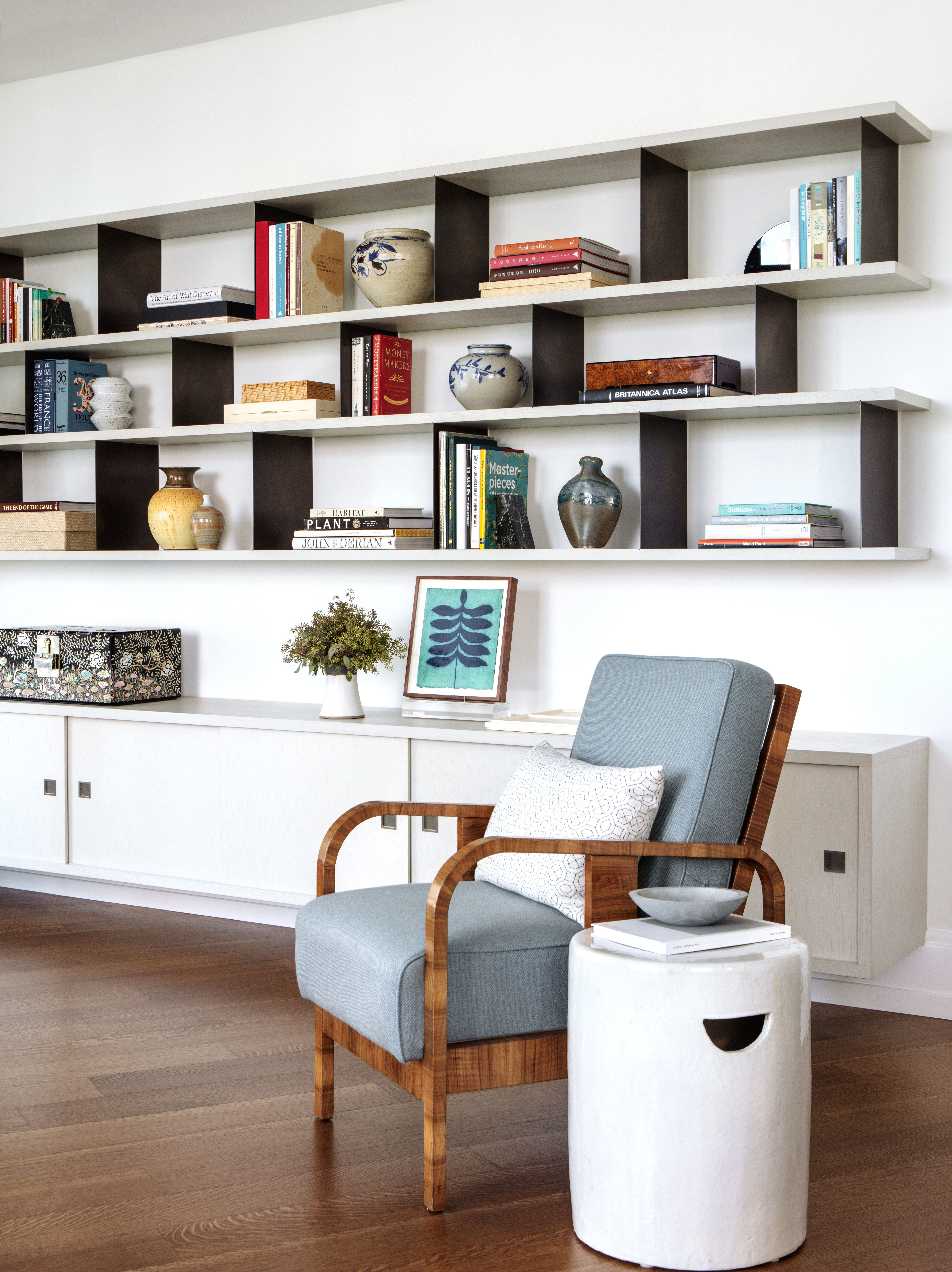 Modern Living Room Built-in Bookcase With Open Shelves And